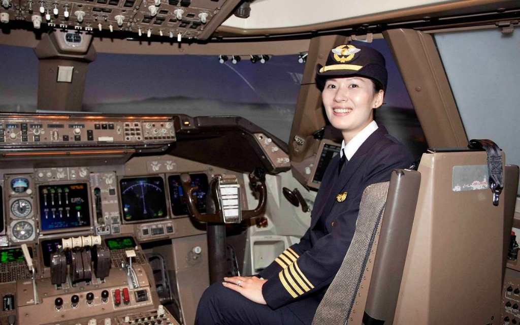 Asia's airlines 'forced' to seek more women pilots - Pilot Career News