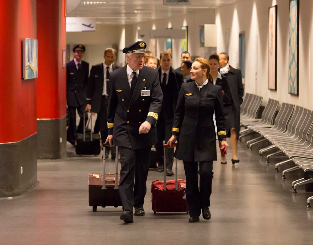 air france opens 2018 cadet pilot programe - and will pay for training
