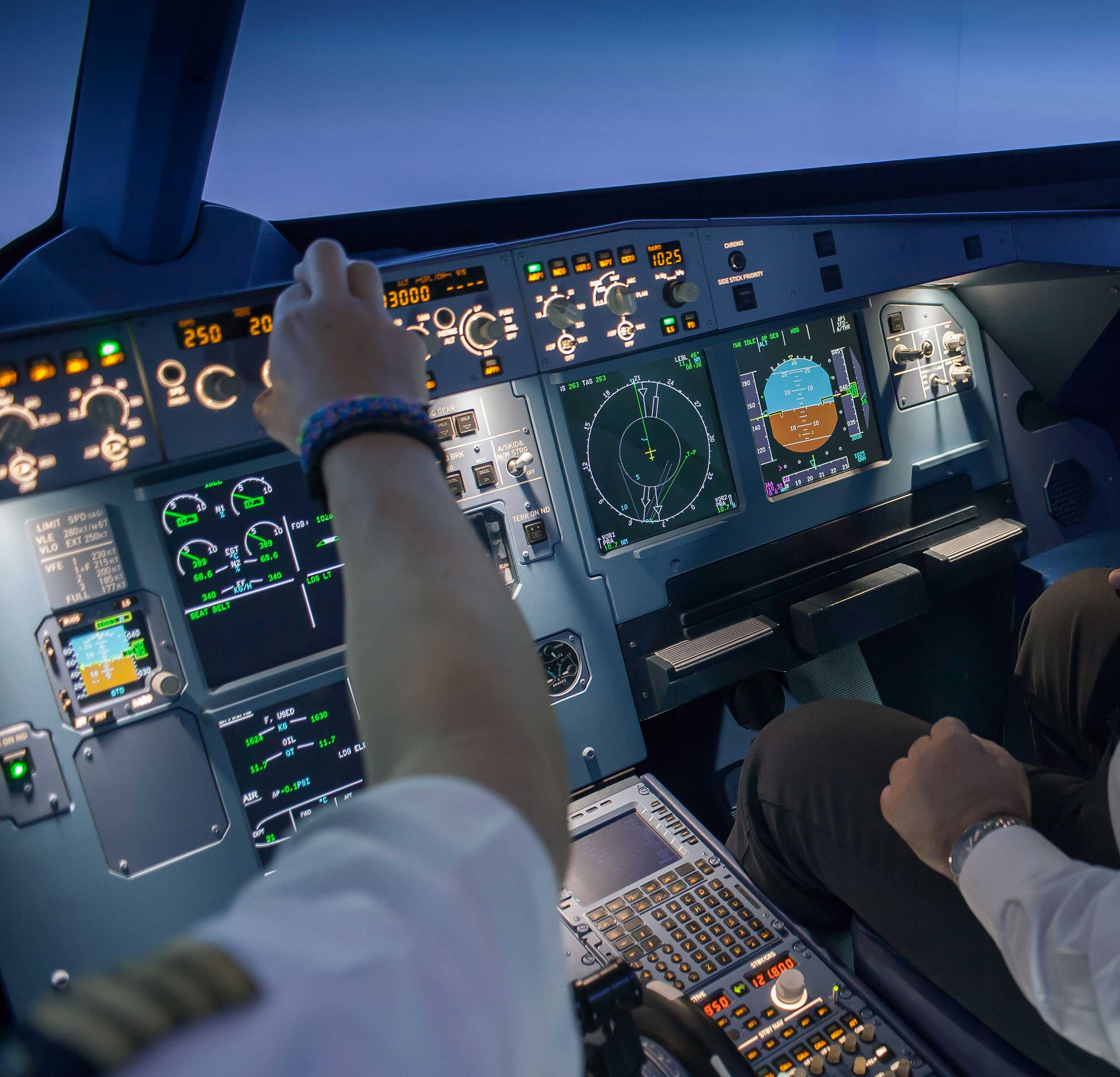 Simloc supplies A320 flight sim to 2Fly Aerodynamics - Pilot