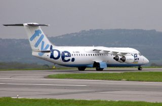 800px-Flybe.bae146.arp