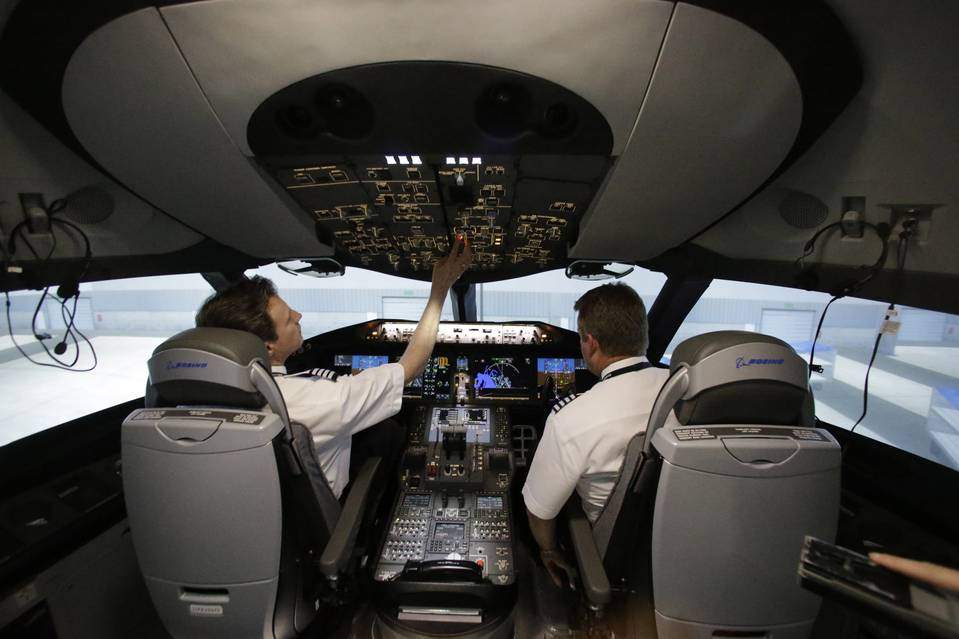Senior Airbus Official Urges Major Pilot Training Changes
