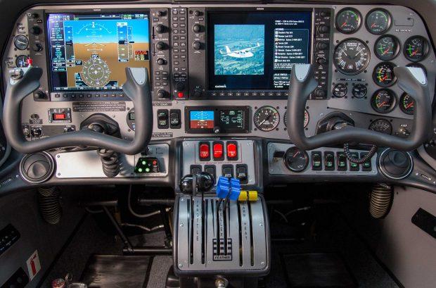 Tecnam P2006T cockpit
