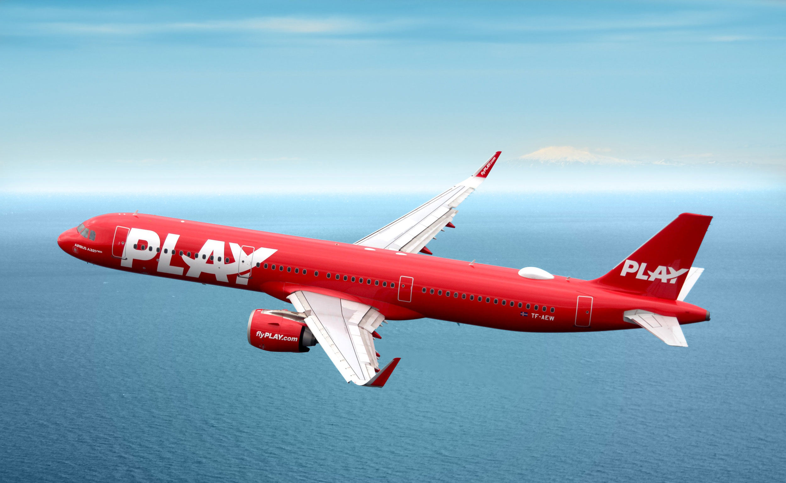 PLAY airline A320